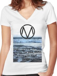 The Maine take a trip to the seaside Women's Fitted V-Neck T-Shirt