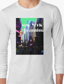 New York Dreaming - Times Square - Green Background Long Sleeve T-Shirt