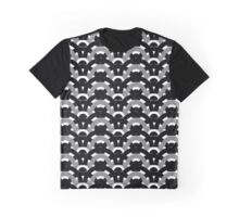 Chain Link Graphic T-Shirt