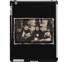 Witches Tea Party - old black/white iPad Case/Skin