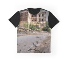 Abandoned, haunted house in Cordoba Graphic T-Shirt