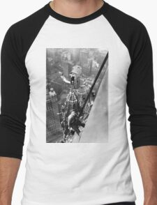 Vintage Photo of Workers in New York Men's Baseball ¾ T-Shirt