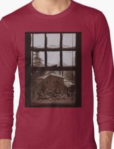9:04, Waking up to snow Long Sleeve T-Shirt