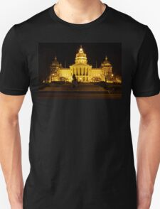 Iowa State Capitol Building Front (Night) Unisex T-Shirt