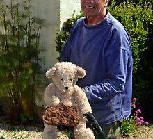 Doug s New Helper ............ by lynn carter