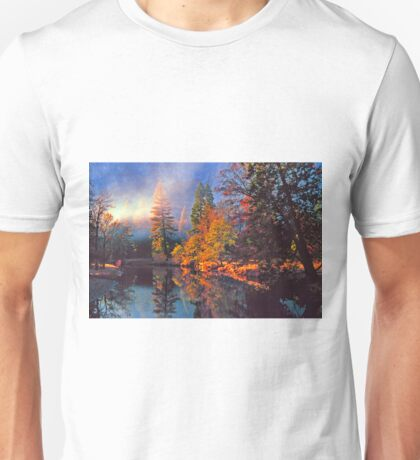 MISTY MORNING MERCED RIVER Unisex T-Shirt