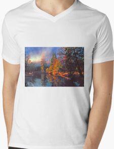 MISTY MORNING MERCED RIVER Mens V-Neck T-Shirt