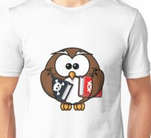 OWL WITH BOOKS Unisex T-Shirt