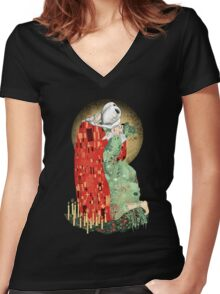 The Bloody Kiss Women's Fitted V-Neck T-Shirt