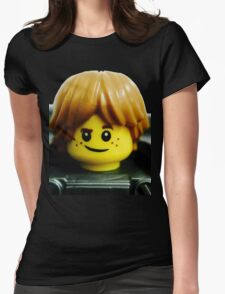 Robin loves machines and gadgets Womens Fitted T-Shirt