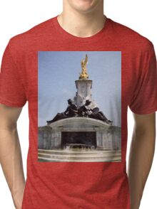 Buckingham Palace fountain Tri-blend T-Shirt