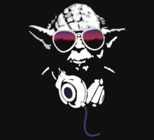 Purple DJ Yoda by imagoalie