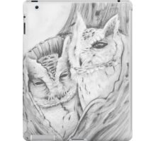 Owls in a nook iPad Case/Skin
