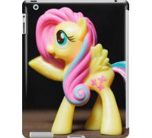 My Little Pony Portrait: Fluttershy (on black) iPad Case/Skin