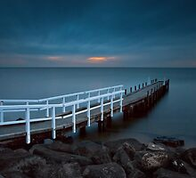 Olivers Hill, Frankston Victoria Australia on a Cloudy sunset.  by Ben  Cadwallader