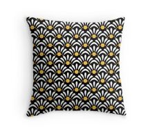 Daisy Lashes Pattern Pillow Throw Pillow