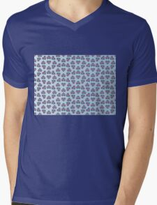 Karen's Heart Pattern Mens V-Neck T-Shirt