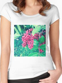 Red Berries Women's Fitted Scoop T-Shirt