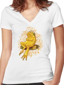 FROGGIE IN RELAX MODE Women's Fitted V-Neck T-Shirt