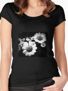 Black daisies Women's Fitted Scoop T-Shirt