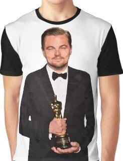 Leonardo DiCaprio Holding Oscar - Lane Graphic T-Shirt