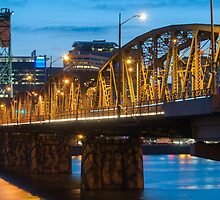 Hawthorne Bridge at Dusk by thatche2