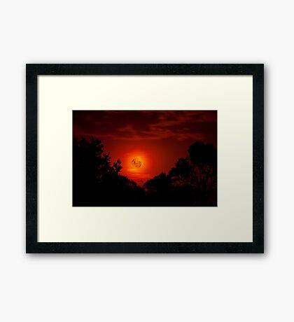 Fiery Blood Moon - Melbourne, Mt Dandenong, Victoria Australia Framed Print