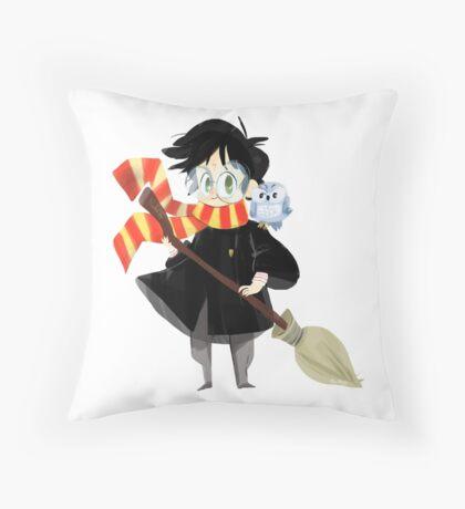 Le petit Sorcier Throw Pillow