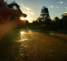 I have the sun in my hands... literally. by blissphotos
