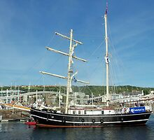 Lady of Avenel tall ship by amylw1