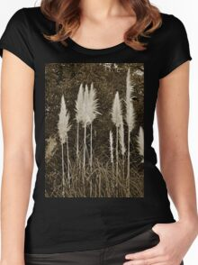 Toi Toi Grass in Sepia Women's Fitted Scoop T-Shirt