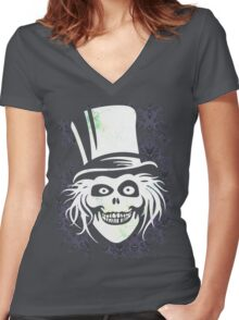 HATBOX GHOST WITH GRUNGY HAUNTED MANSION WALLPAPER Women's Fitted V-Neck T-Shirt