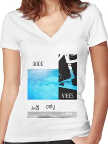 Teahupo'o Good Vibes only surf version Women's Fitted V-Neck T-Shirt