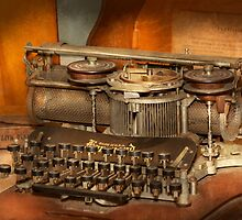 Steampunk - The history of typing by Mike  Savad