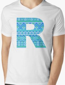 Letter R Blue Aztec Stripes Pattern Boho Monogram Initial Mens V-Neck T-Shirt