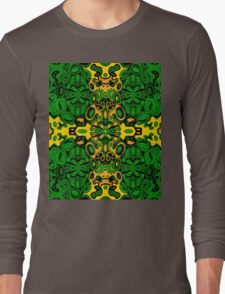 Miniature Aussie Tangle 13 Pattern in Green and Gold Colours Long Sleeve T-Shirt