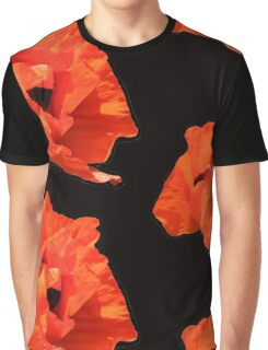 The giant poppy Graphic T-Shirt
