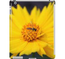 Tiny Bee On Yellow Daisy iPad Case/Skin