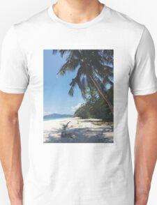 MALCAPUYA. Unisex T-Shirt