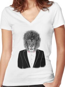 LION-STYLE Women's Fitted V-Neck T-Shirt