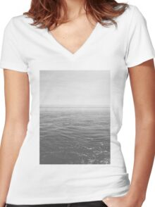 Endless Ocean Women's Fitted V-Neck T-Shirt