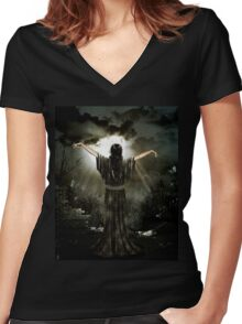 Awaiting the storm Women's Fitted V-Neck T-Shirt