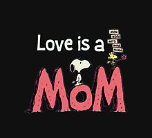 snoopy love mom Unisex T-Shirt
