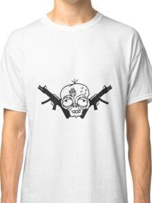 waffen maschinengewehr soldat erschießen ballern verteidigen dumm zombie gesicht kopf untot horror monster halloween  Classic T-Shirt