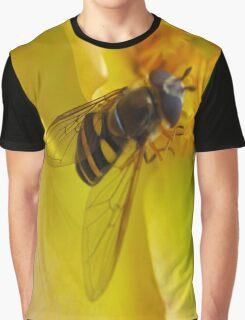 b Graphic T-Shirt