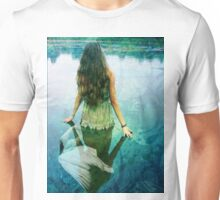 READY TO SPREAD HER WINGS Unisex T-Shirt