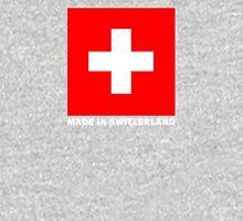 Drapeau suisse sur fond noir Classic T-Shirt