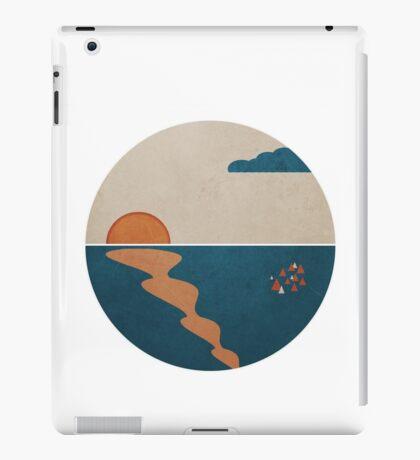 Simplistic Ocean Horizon  iPad Case/Skin