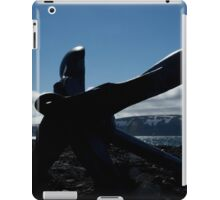Silhouette of anchor with rifleman on beach iPad Case/Skin