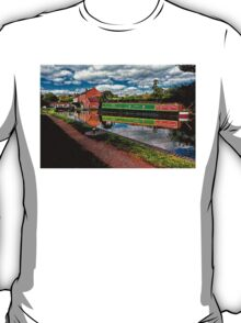 Braunston Lock No3 Northamptonshire T-Shirt